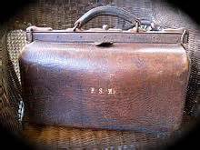 portmanteau luggage pic from wikipedia